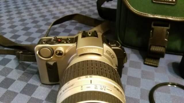 Canon Eos Ix + Custodia in pelle per appoggio