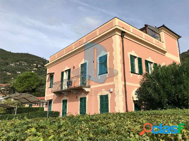 Appartamento panoramico in villa con piscina