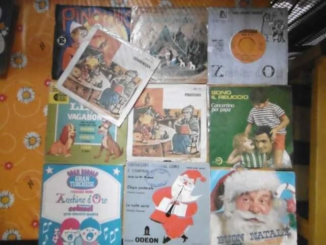 Portadischi + 33 dischi per bambini con copertine anni 60