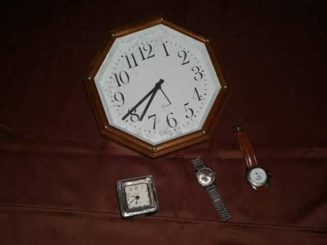 Orologi da polso/da parete/sveglia
