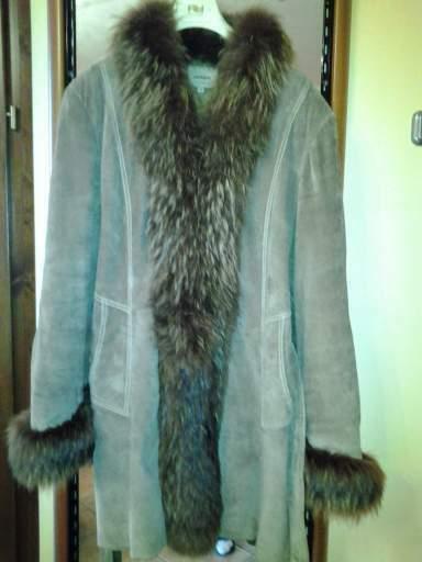 Vendo giaccone in vera pelle scamosciata con pellccia