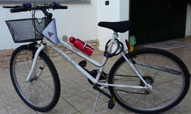 Bicicletta Mountain Bike Nevada Rosa e Bianca 26 pollici