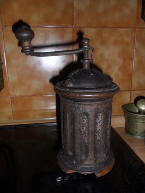 Antico macinacaffè in ferro e legno primi 900