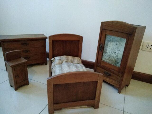 Camera in legno 50 cm. per bambole da collezione