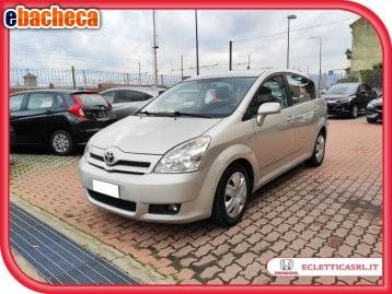Toyota Corolla Verso 2.2…