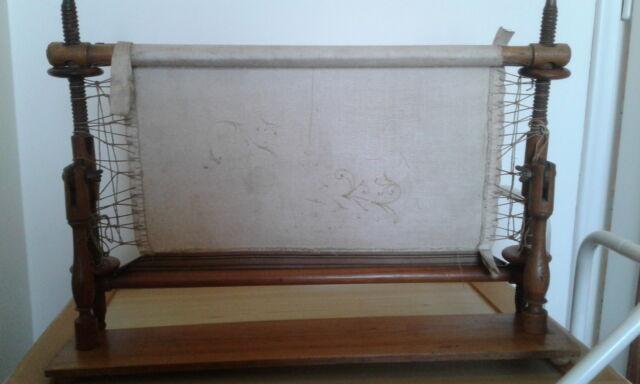 Antico telaio da tavolo per ricamo (in legno)