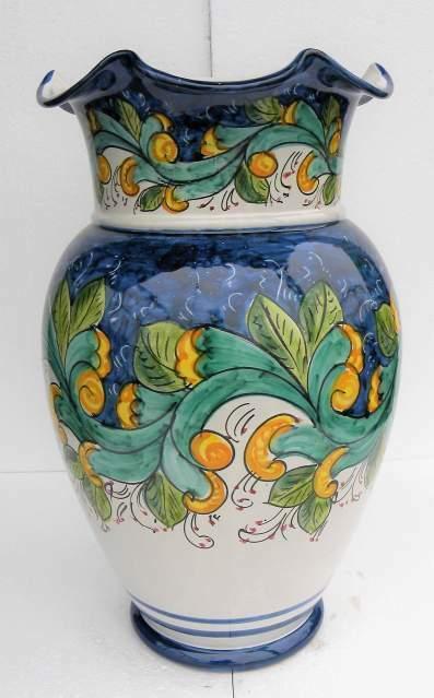 Portaombrelli in ceramica vietrese maiolicato a mano.