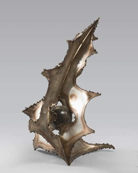 CELLI ITALO Scultura in metallo con sfera 48x38x36cm