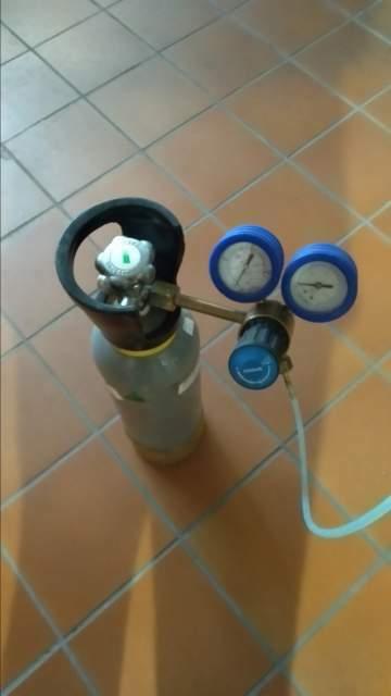 Riduttore di pressione e bombola per gasatore acqua