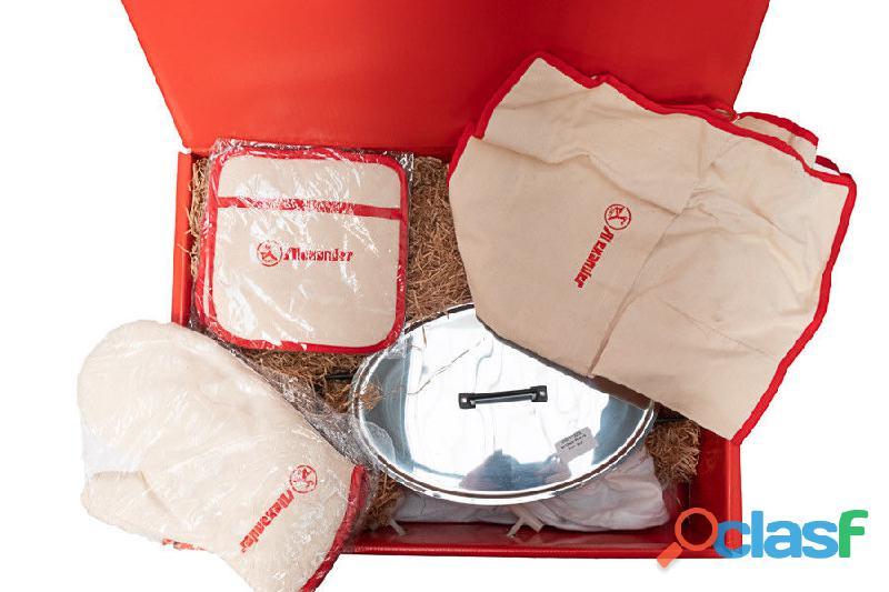 Alexander set regalo:casseruola, presine, guanto e grembiule