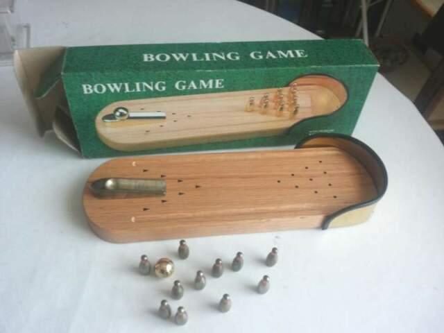 Bowling Game (set minigiocattolo bowling da scrivania)