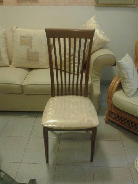 N. 4 Sedie in legno per soggiorno