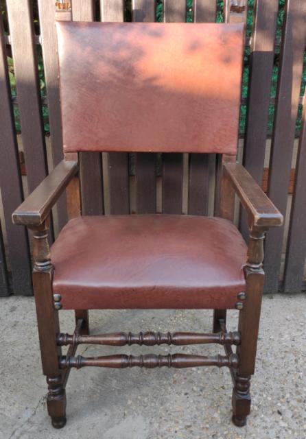 Poltrona trono in pelle stile rinascimento