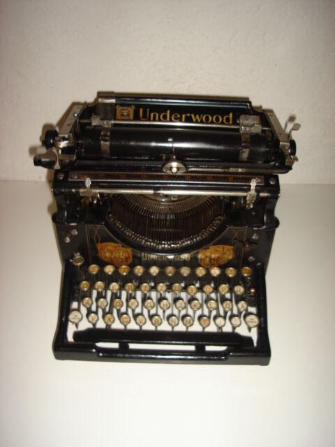 Macchina da scrivere da tavolo underwood standard mod 5