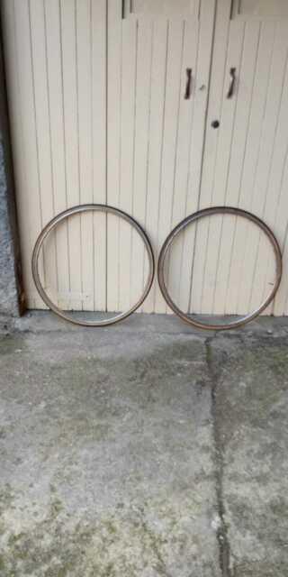2 cerchi senza raggi con tubolari per bici da corsa anni 70