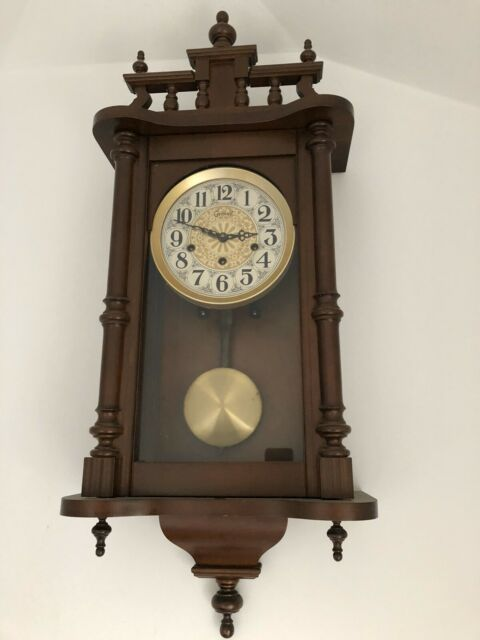 Orologio pendolo a muro perfettamente funzionante