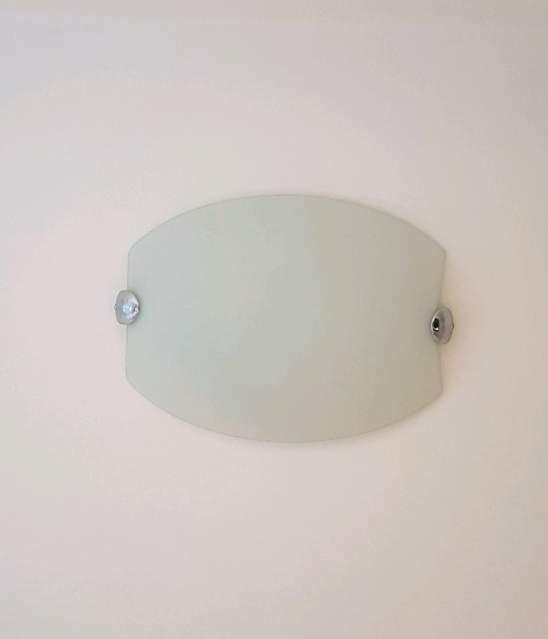 Plafoniera in vetro satinato bianco