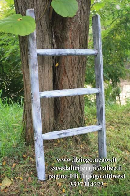 Scale a pioli in legno complementi d'arredo porta salviette