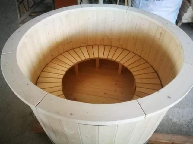 Tinozza in Legno di Abete 160 cm con la stufa esterna