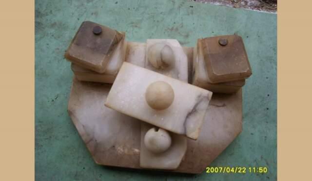 Calamaio antico in marmo di scrivania