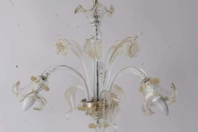 Lampadario vetro Murano tre bracci finiture oro perfetto