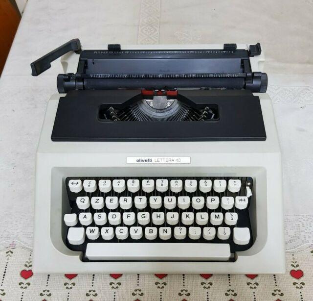 Macchina da scrivere Olivetti lettera 40