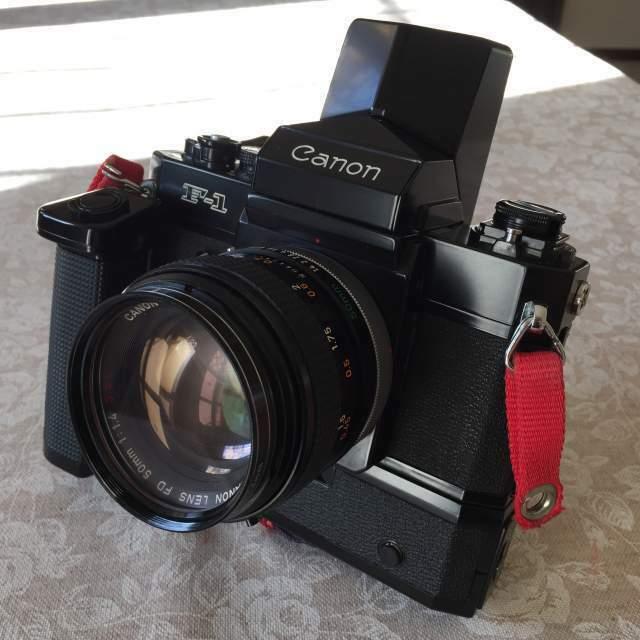 Canon F-1 con Speed Finder/Power Winder/Obiettivo Canon FD