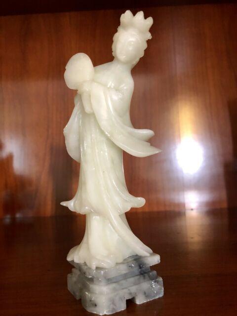 Antichità scultura cinese in agata bianca burattata