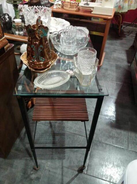 Mobiletto ferro battuto e vetro