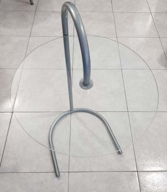 Tavolino rotondo in vetro e metallo