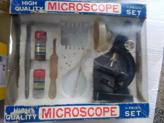 Microscope, giocattolo vintage anni 70 con scatola originale