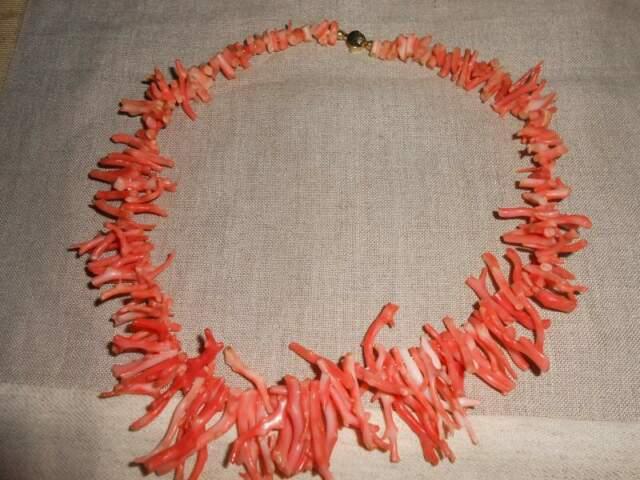 Collana in corallo e oro