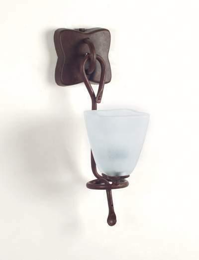 Applique in ferro con vetro satinato 1 luce