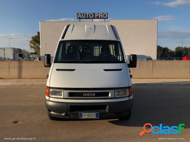 IVECO Daily 2.3 9 Posti diesel in vendita a San Michele