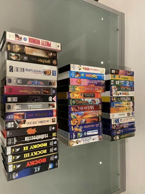 Film VHS d'autore e cartoni animati.
