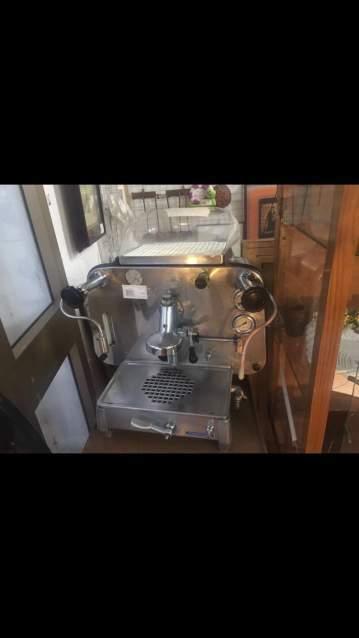 Cerco: Cerco macchine caffe antiche faema e61 e altri