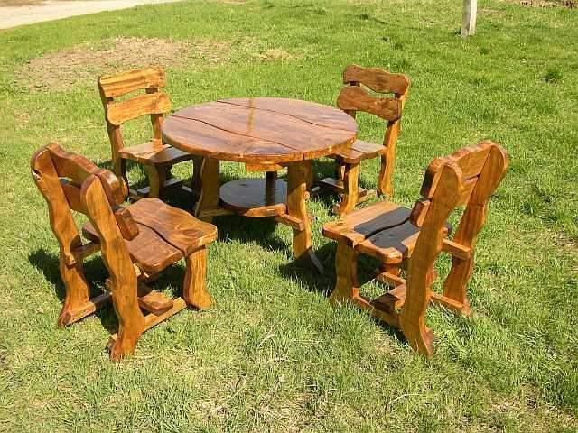 Tavolo in legno tondo con 4 sedie