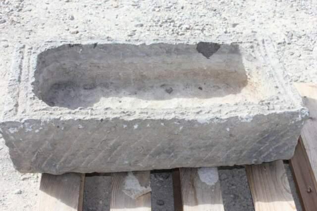 Vendo vecchia vasca pietra 72x39 alta 19 n.6b lavandino