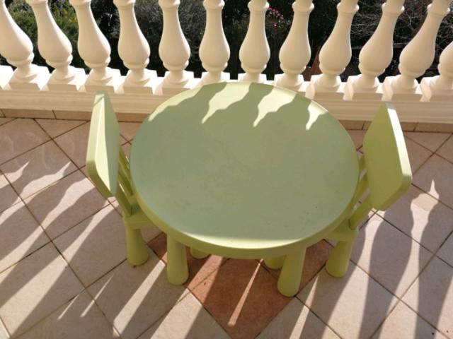 Tavolino con 2 sedie