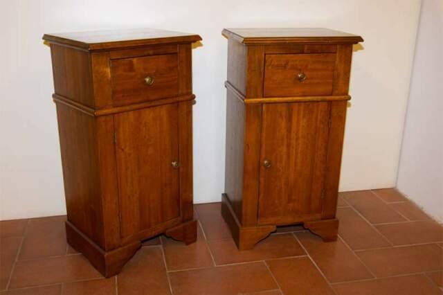 Comodini stile antico, legno massello