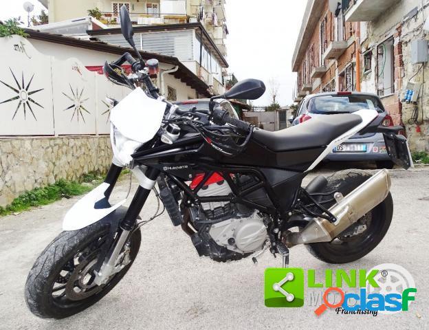 Husqvarna Nuda 900 benzina in vendita a Napoli (Napoli)