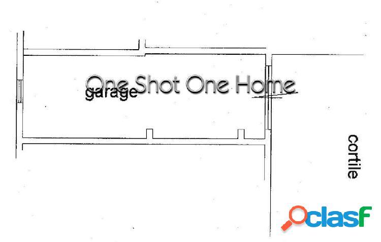 Vendesi Garage di 40 mq zona Gelone