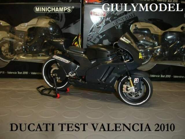 Minichamps Valentino Rossi Ducati Test GP11 Valencia