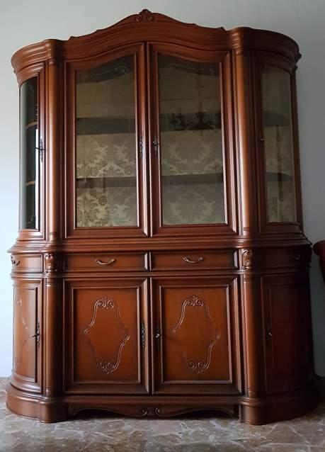 Mobile da sala classico con vetrina