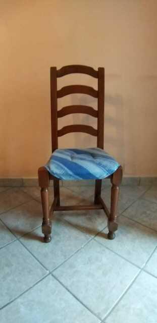 Mobili in legno soggiorno salotto con tavolo 6 sedie