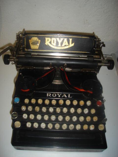 Macchina da scrivere da tavolo roial mod 10