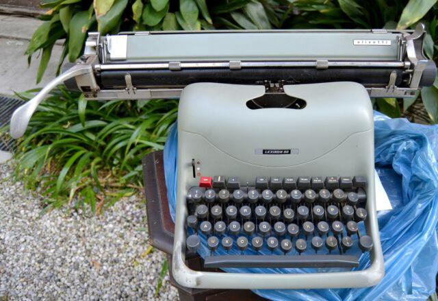 OLIVETTI LEXICON 80 macchina da scrivere vintage originale