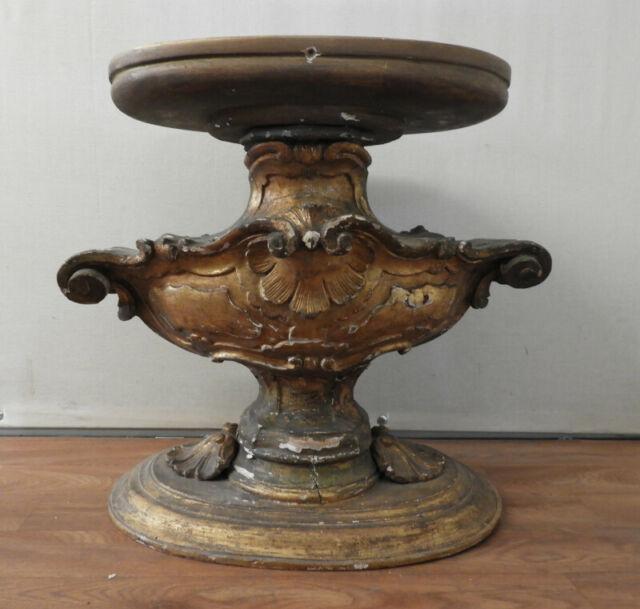 Antica base in legno laccato oro con decori per tavolino