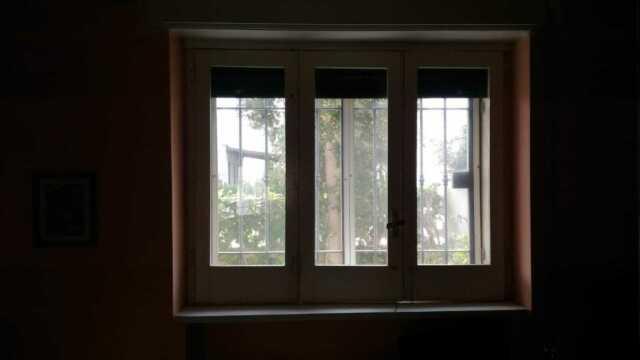 N. 3 finestre in legno a 3 ante