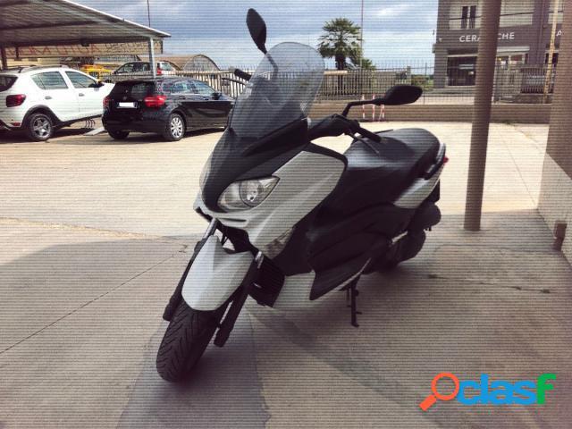 Yamaha X-Max 125 benzina in vendita a Ispica (Ragusa)